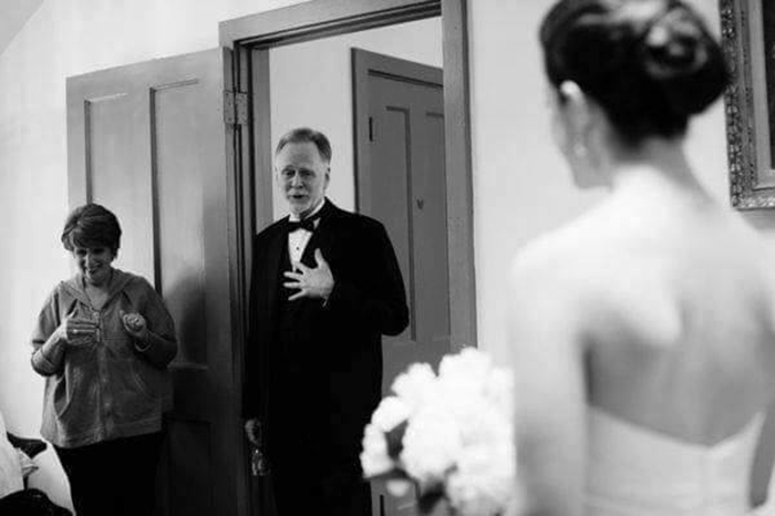 dad reactions to seeing daughter on wedding day