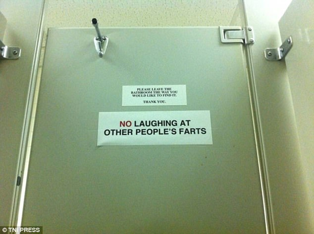Exceptionnel Funny Bathroom Signs Around World