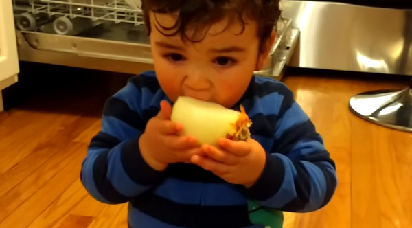 Kid Convinces His Baby Brother To Eat A Raw Onion, Takes ...