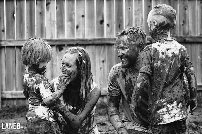family mud photoshoot