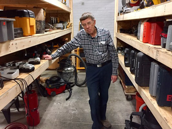 man donates tools to library good news 2017
