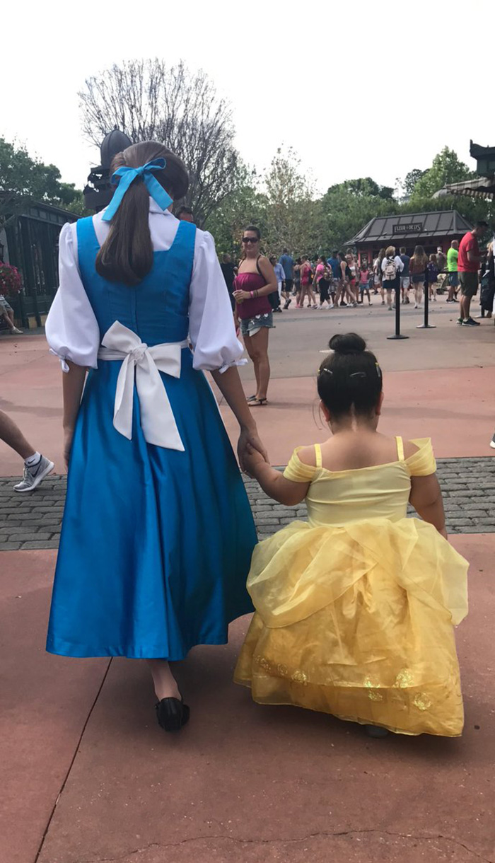daisy meets Belle Disney World