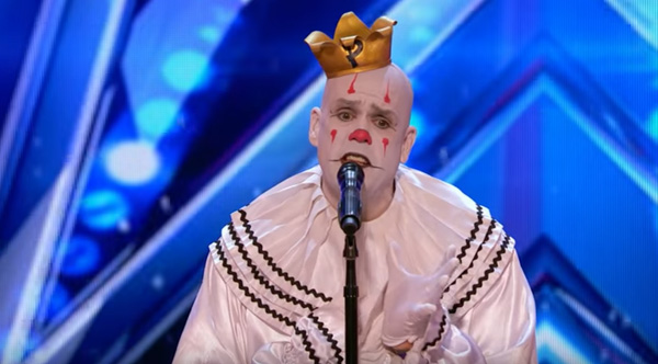 Sad Clown Stuns Crowd With Sia S Chandelier On America S
