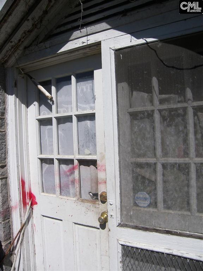 creepy house on zillow haunted upstairs