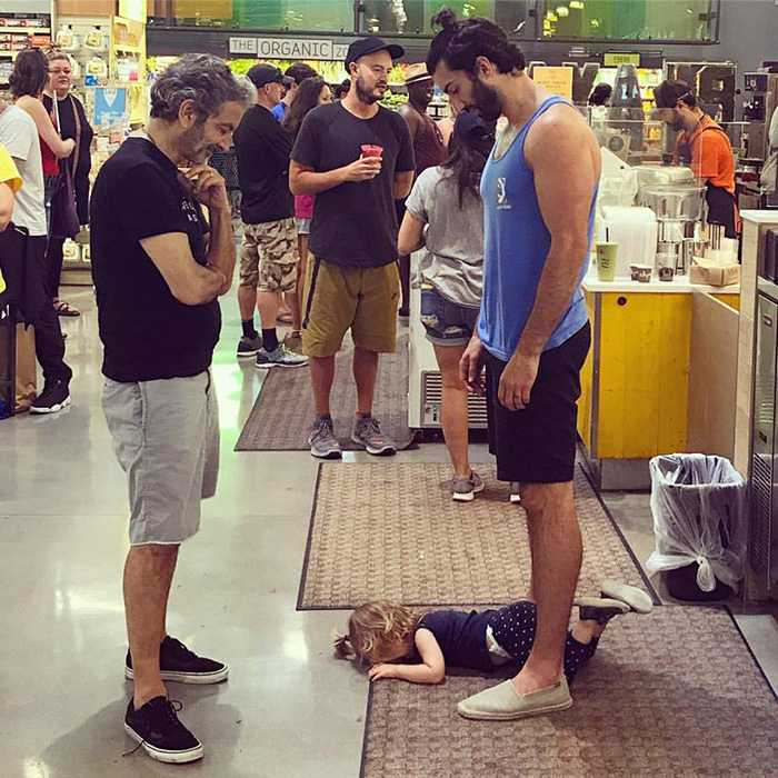 dad lets toddler melt down in public for love