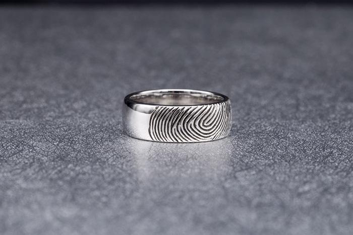 wedding band finger print