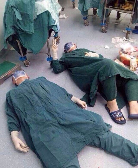 surgeons collapse after 32 hour surgery
