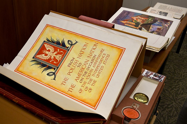 Poland Sent The US A Birthday Card With 55 Million Signatures – Birthday Card with Pictures