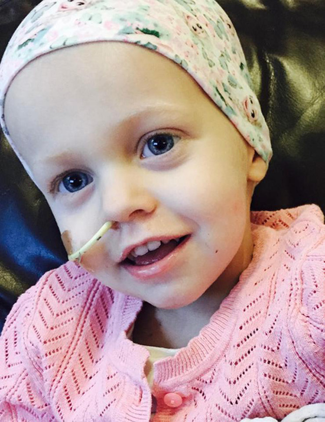 royal marine selling war medals to pay for little girl cancer treatment