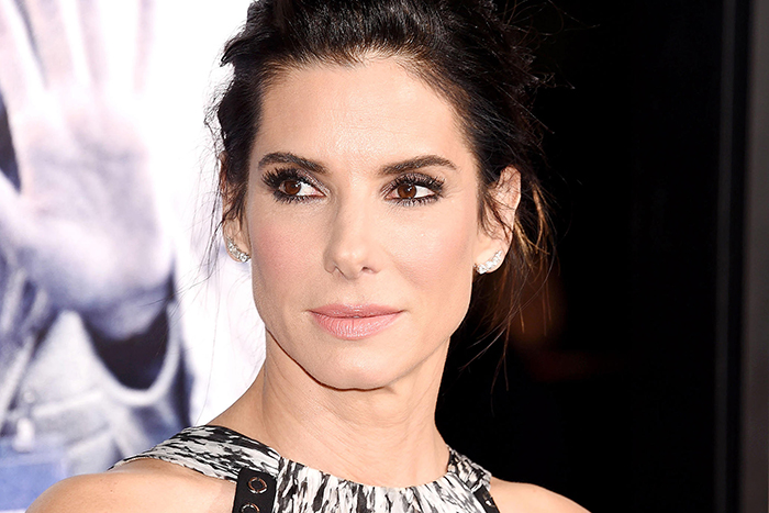 sandra bullock donates 1 million to hurricane harvey