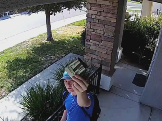 security camera catches man return wallet full of cash