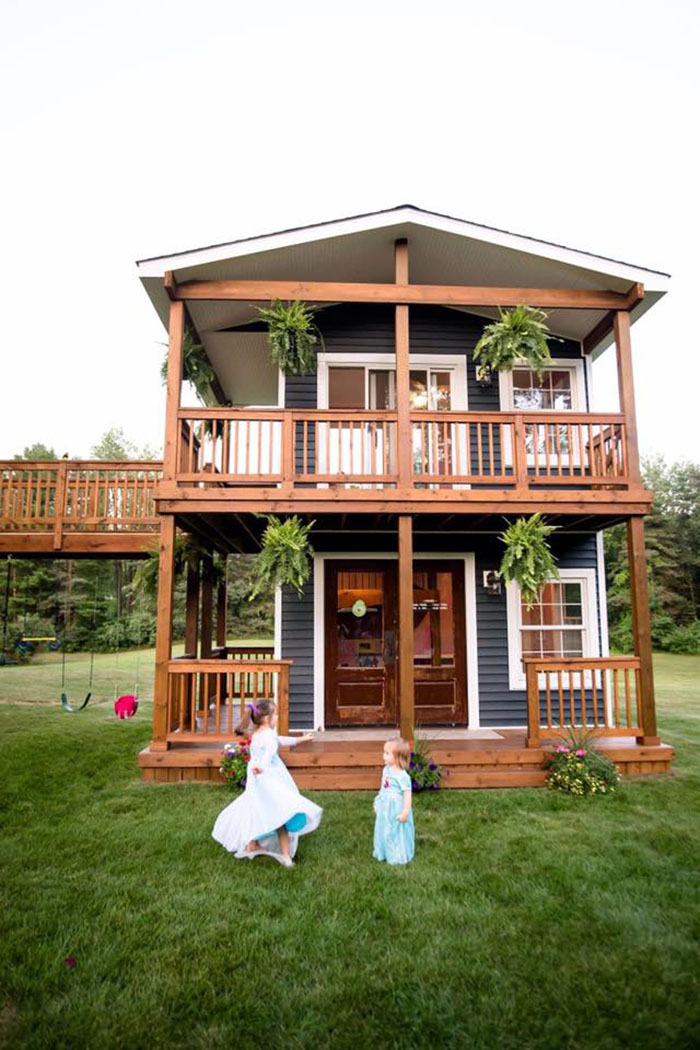 This Dad Built His Daughters The Most Epic Playhouse You'll Ever See  Iason-dad-builds-epic-playhouse-for-daughters-1