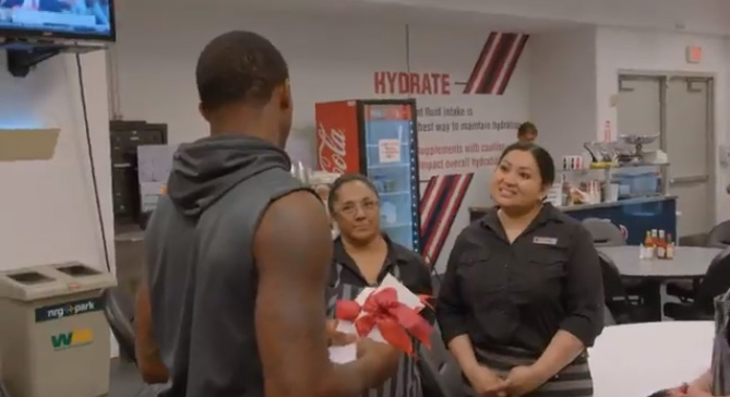 nfl qb gives first check to cafeteria workers hurricane houston