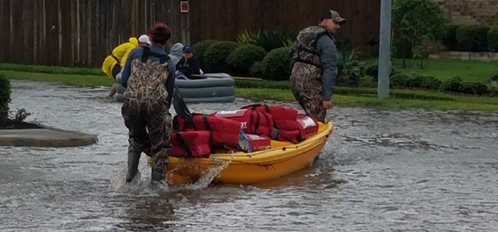 pizza hut delivers in Houston by kayak