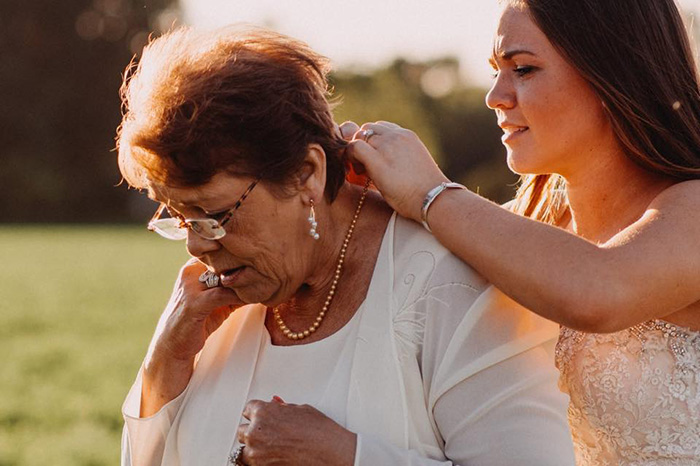 grandma cancer dances with granddaughter wedding photo shoot