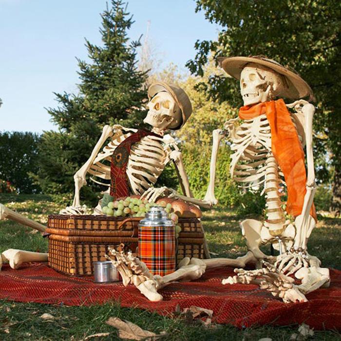 funny skeleton halloween decorations