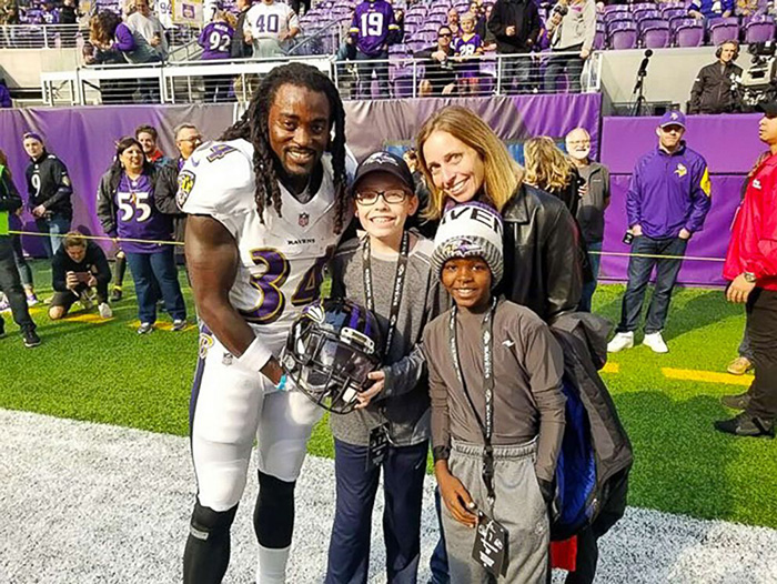 boy bullied for Irish dancing meets NFl star dancer