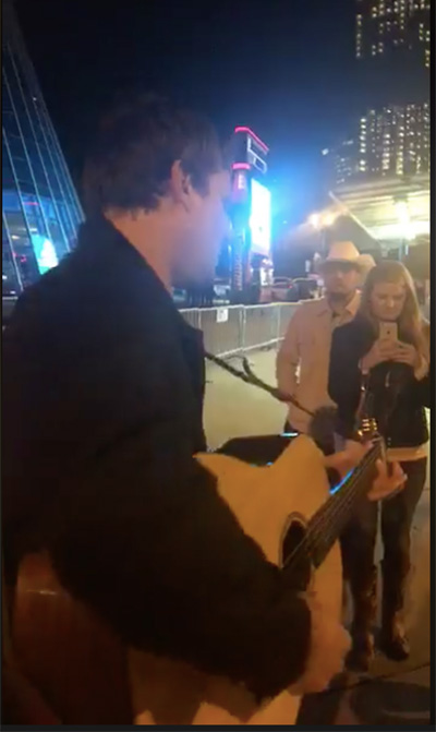 Sturgill Simpson busking outside CMA awards