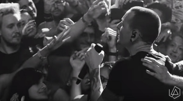 Linkin Park Released A Live Version Of 'Crawling' And It's