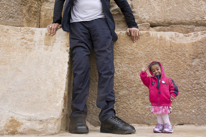 tallest man shortest woman pictures
