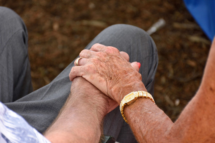 husband Alzheimers forgets he is married asks wife again