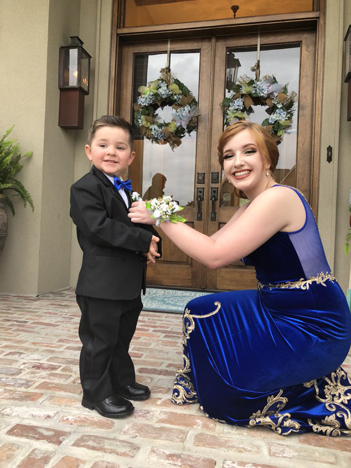 senior takes marine little brother to prom