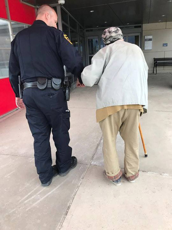 cop drives elderly man to hospital to see sick wife