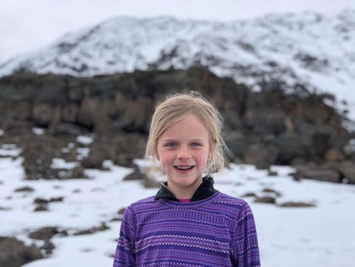 girl scales mountain africa to honor dad