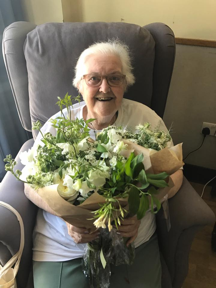 royal wedding flowers donated to hospice patients