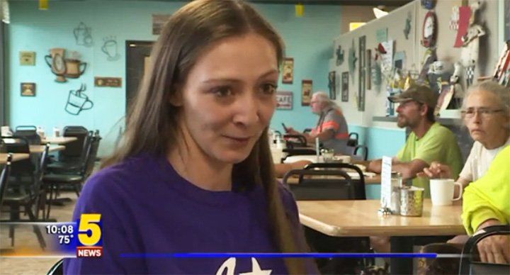 waitress receives 2000 tip on mothers day