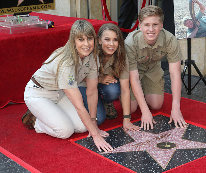 Steve Irwin's Son Does His Father Proud On 'The Tonight Show' With Jimmy Fallon Yfe9c-steve-irwin-on-hollywood-star-of-fame
