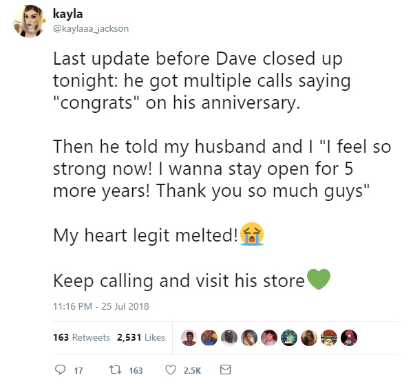 woman helps store owner anniversary on twitter