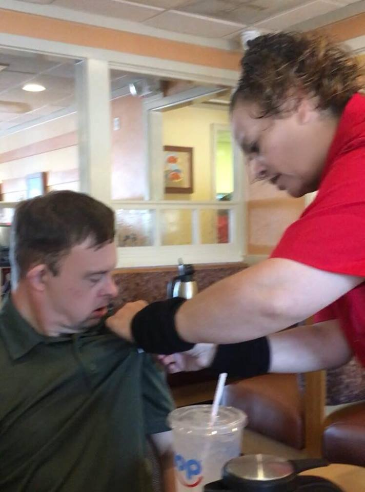 ihop waitress act of kindness man with down syndrome