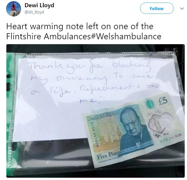 heartwarming note left on ambulance