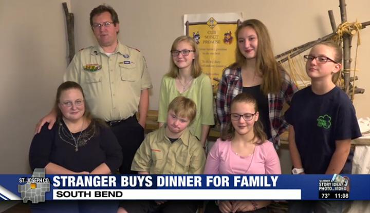 stranger buys dinner for family of 8