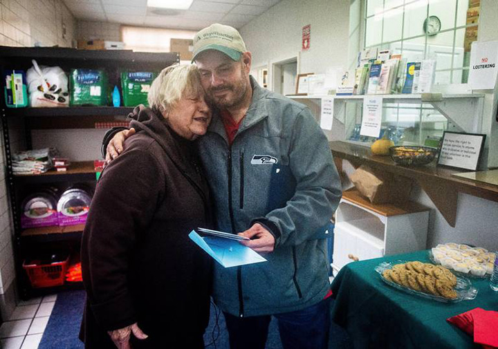 homeless man returns cash to food pantry