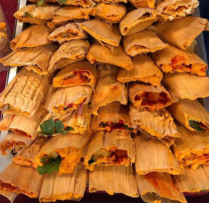 photographer 850 tamales for homeless