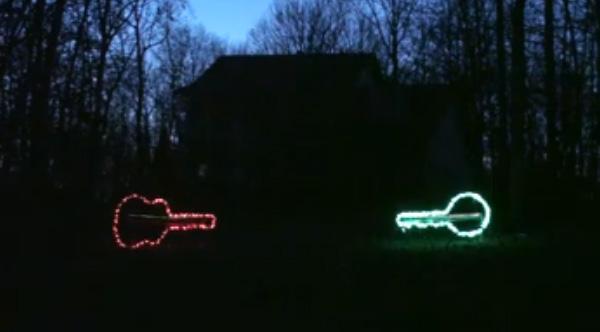 dueling banjos christmas lights display