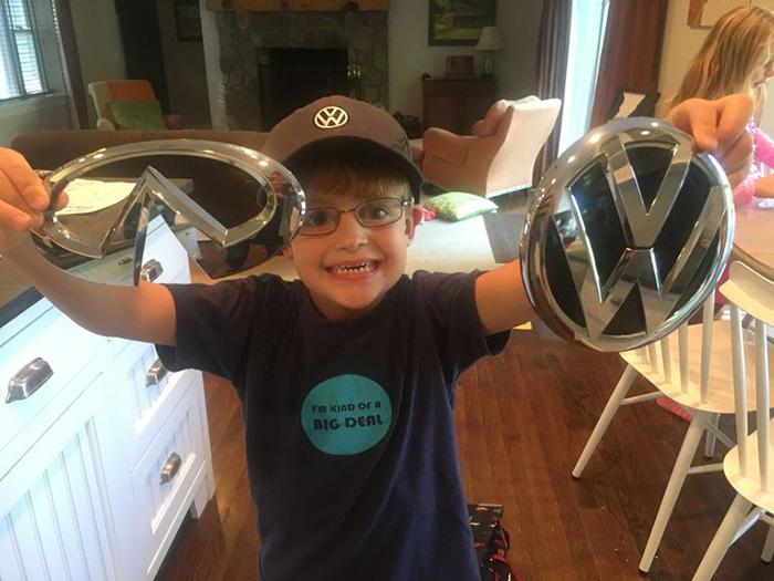 kid writes car companies logos
