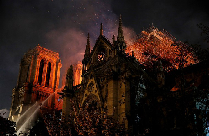 French billionaires pledge 450 million to restore Notre Dame