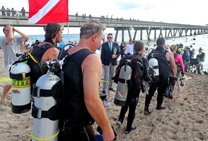 divers set worl record trash clean up
