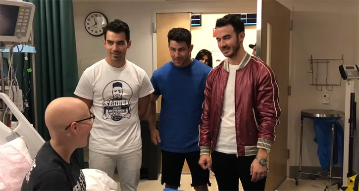 jonas brothers surprise fan with cancer