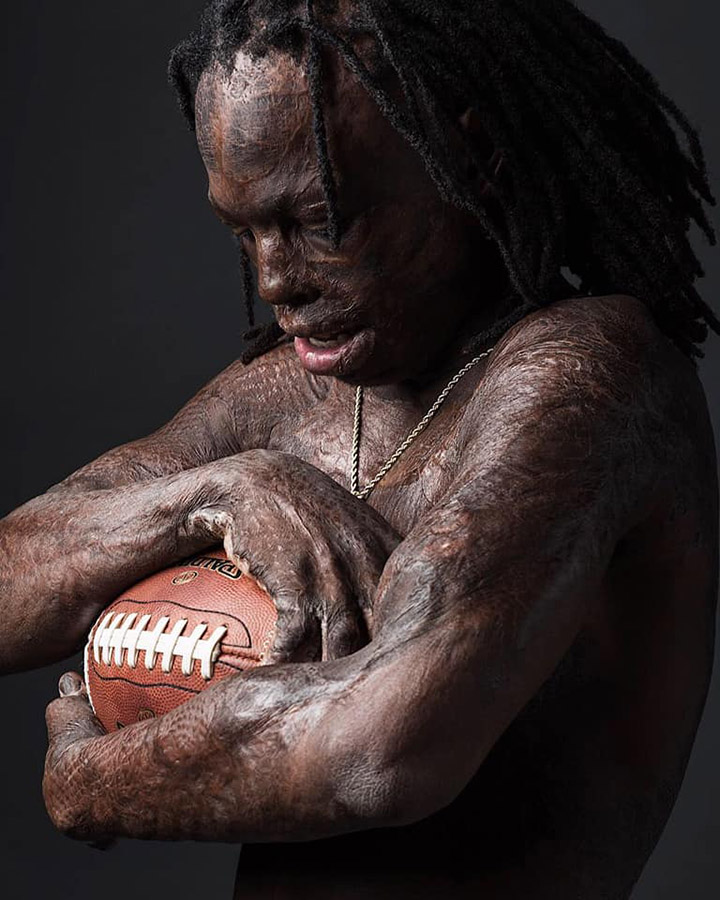 Meet TQ - The High School Football Player Who's Inspiring Everyone 29eyr-football-player-photo-inspiring