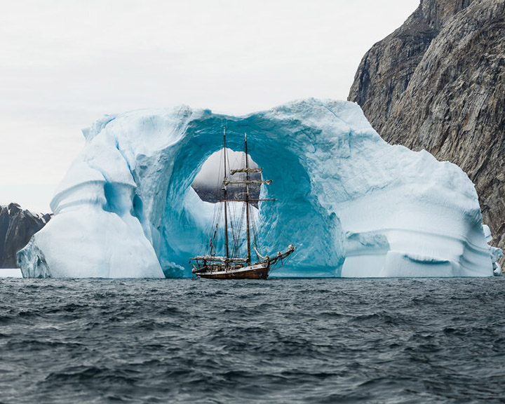 Photographer Captures Amazing Shot Of Ship In Front Of Iceberg Ous43-ship-iceberg-1