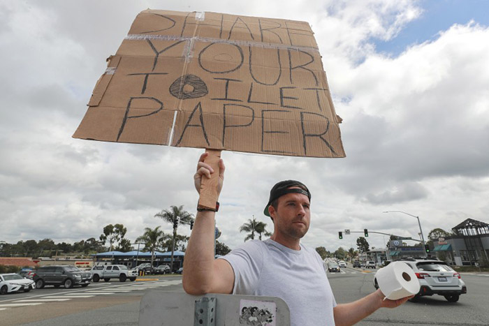 surfer toilet paper swap