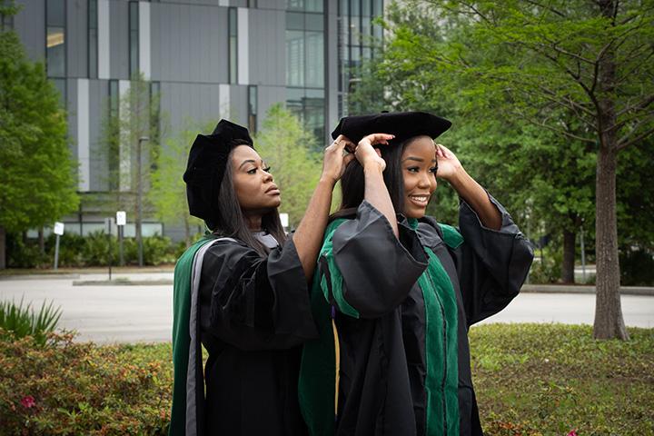 mother daughter graduate med school together