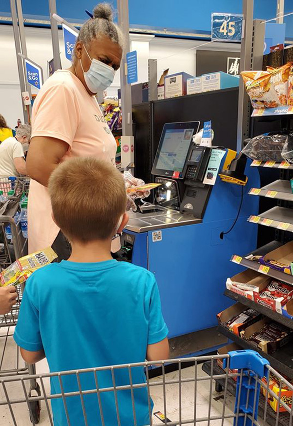 woman in walmart act of kindness