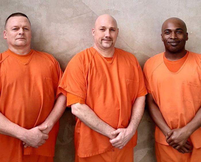 inmates rescue deputy