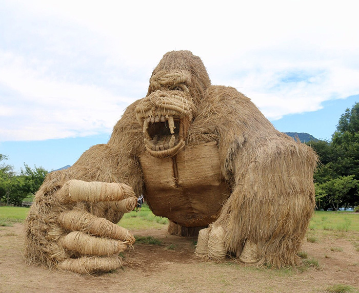 rice straw art Japan
