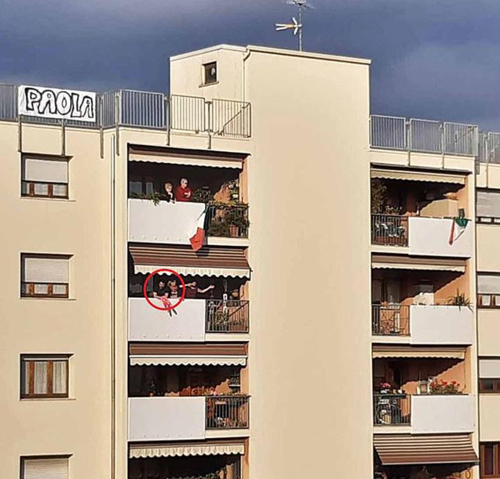 italian romeo juliet balcony love